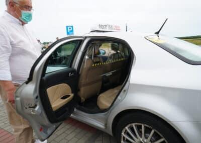 Bezpieczna taksówka Nord taxi - zabezpieczenie osłoną - maseczką - ozonowanie oraz dezynfekcja - COVID-19
