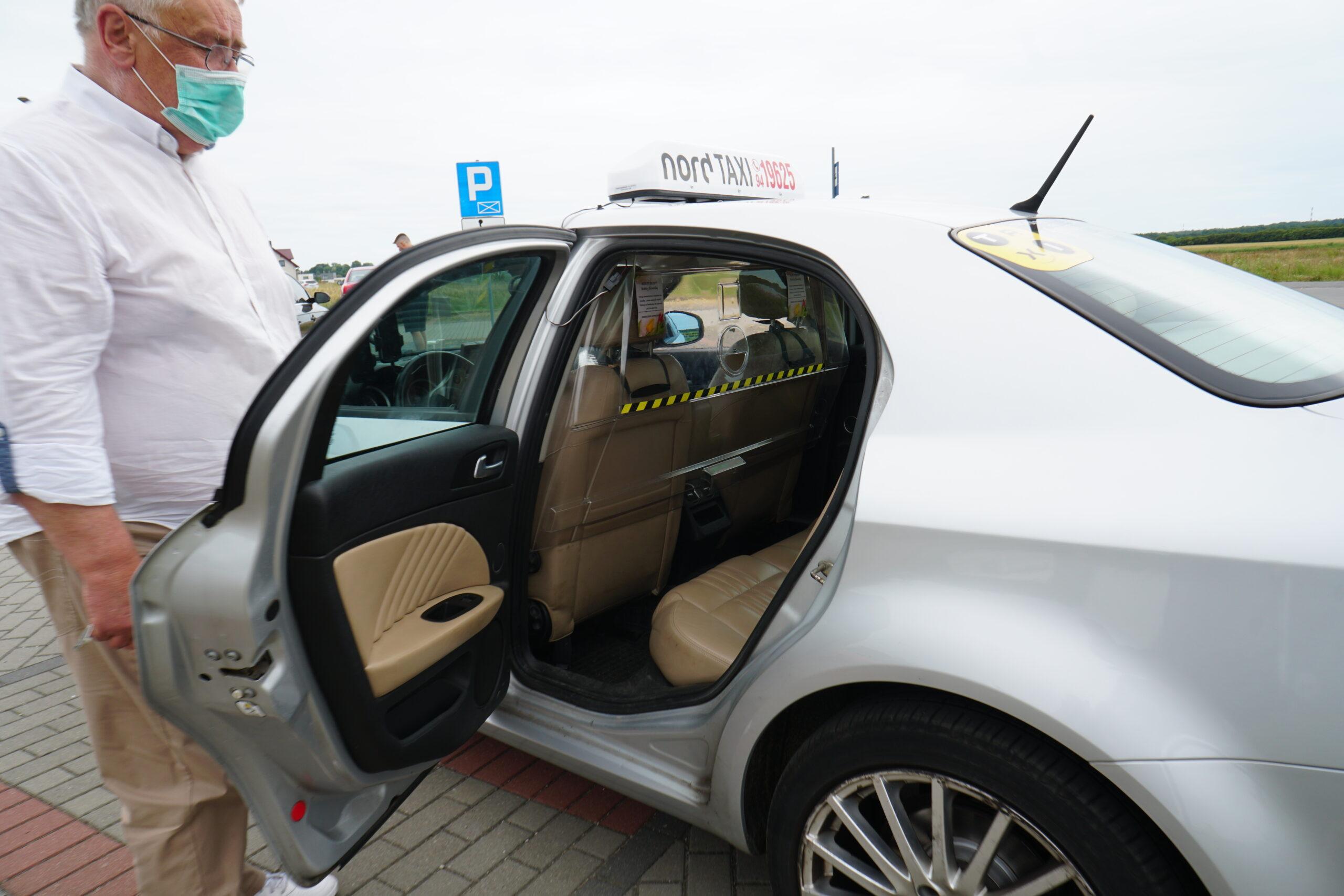 taxi Koszalin oferta taksówka COVID-19 wnętrze bezpieczeństwo taksówkarz